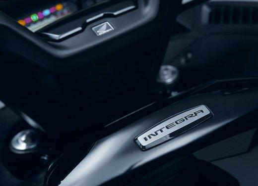 Honda Integra, compreso nel prezzo il bauletto per due caschi integrali - Foto 31 di 39