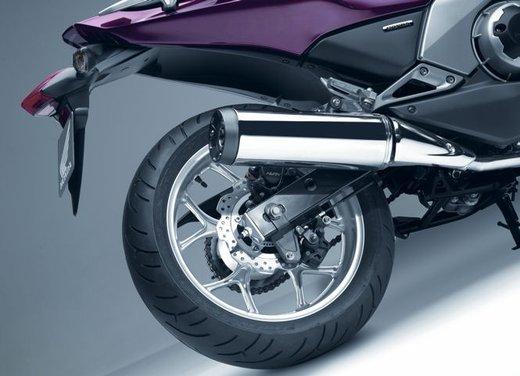 Honda Integra, compreso nel prezzo il bauletto per due caschi integrali - Foto 32 di 39
