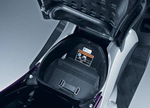 Honda Integra, compreso nel prezzo il bauletto per due caschi integrali - Foto 34 di 39