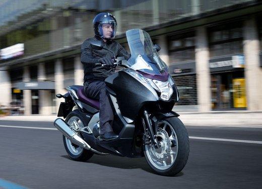 Honda Integra, compreso nel prezzo il bauletto per due caschi integrali - Foto 21 di 39