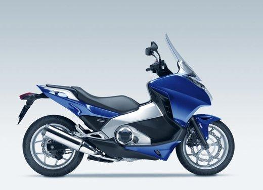 Honda Integra, compreso nel prezzo il bauletto per due caschi integrali - Foto 17 di 39