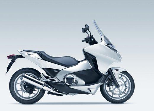 Honda Integra, compreso nel prezzo il bauletto per due caschi integrali - Foto 15 di 39