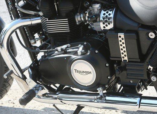 Triumph Speedmaster: prova su strada della cruiser equilibrata - Foto 24 di 33
