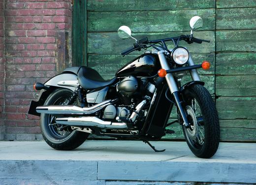 Honda Shadow 750 Black Spirit - Foto 2 di 10