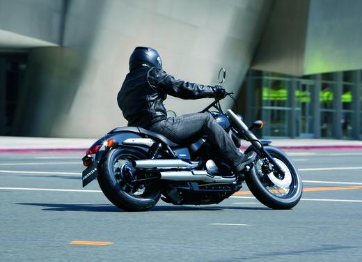Honda Shadow 750 Black Spirit - Foto 4 di 10