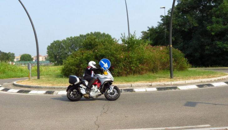 MV Agusta Turismo Veloce: la prova su strada - Foto 19 di 44