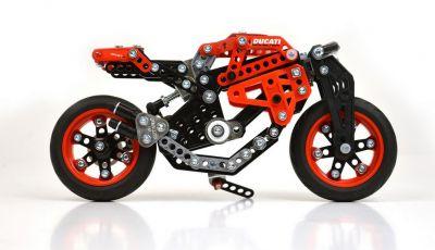 Ducati e Meccano: la Monster 1200 S diventa un kit di montaggio