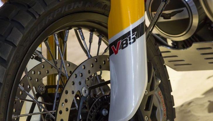 Moto Guzzi V85TT: ecco il prezzo ufficiale - Foto 11 di 11