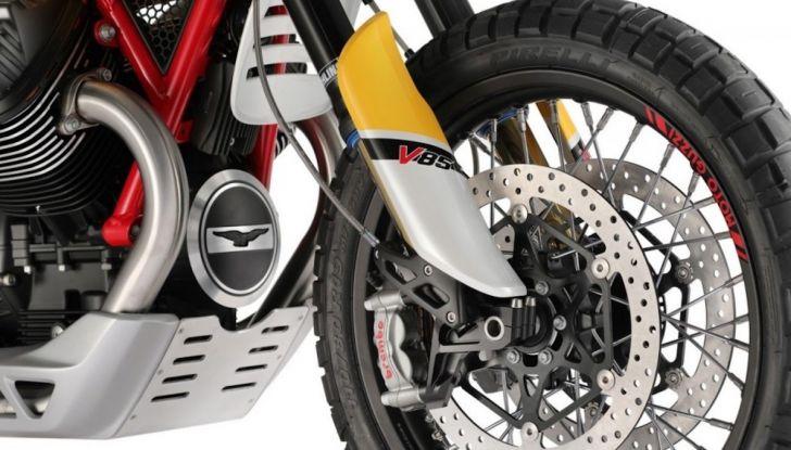 Moto Guzzi V85TT: ecco il prezzo ufficiale - Foto 9 di 11