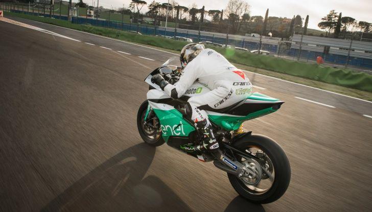 MotoE World cup: dal 2019 moto elettriche in pista - Foto 3 di 6