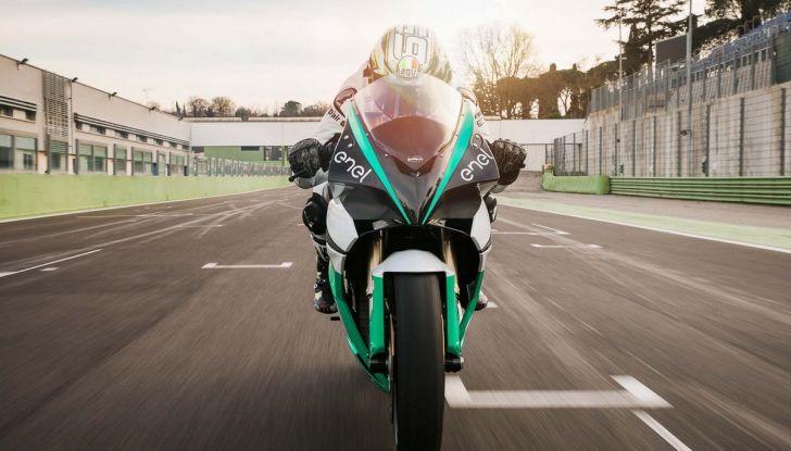 MotoE World cup: dal 2019 moto elettriche in pista - Foto 4 di 6
