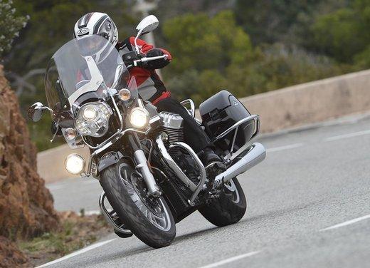 Moto Guzzi California 1400 Touring: la prova su strada dell'ammiraglia Guzzi - Foto 6 di 32