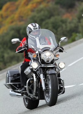 Moto Guzzi California 1400 Touring: la prova su strada dell'ammiraglia Guzzi - Foto 27 di 32