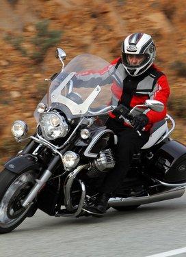Moto Guzzi California 1400 Touring: la prova su strada dell'ammiraglia Guzzi - Foto 3 di 32