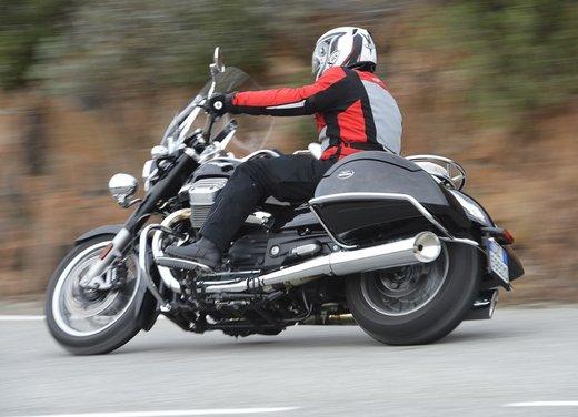 Moto Guzzi California 1400 Touring: la prova su strada dell'ammiraglia Guzzi - Foto 9 di 32