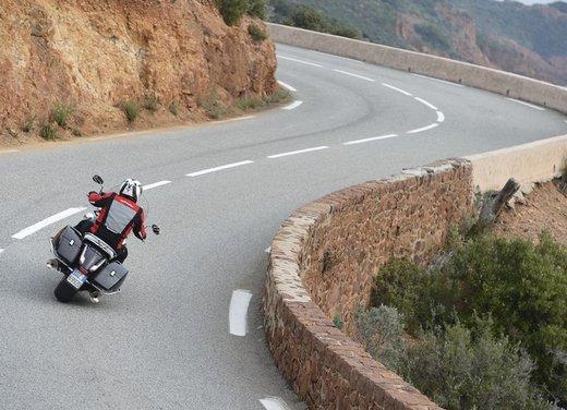 Moto Guzzi California 1400 Touring: la prova su strada dell'ammiraglia Guzzi - Foto 11 di 32