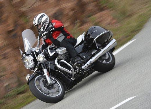Moto Guzzi California 1400 Touring: la prova su strada dell'ammiraglia Guzzi - Foto 12 di 32