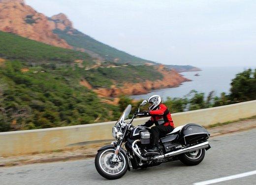 Moto Guzzi California 1400 Touring: la prova su strada dell'ammiraglia Guzzi - Foto 14 di 32