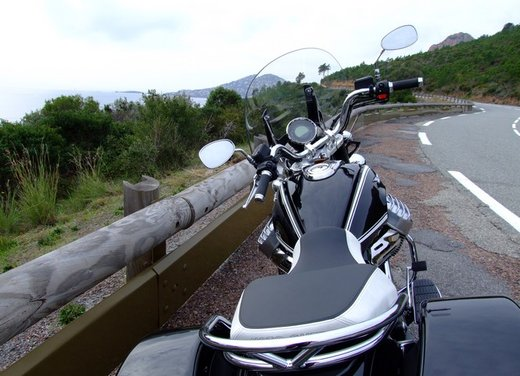 Moto Guzzi California 1400 Touring: la prova su strada dell'ammiraglia Guzzi - Foto 17 di 32