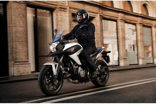 Honda NC 700X successo di vendite grazie al prezzo competitivo - Foto 5 di 6