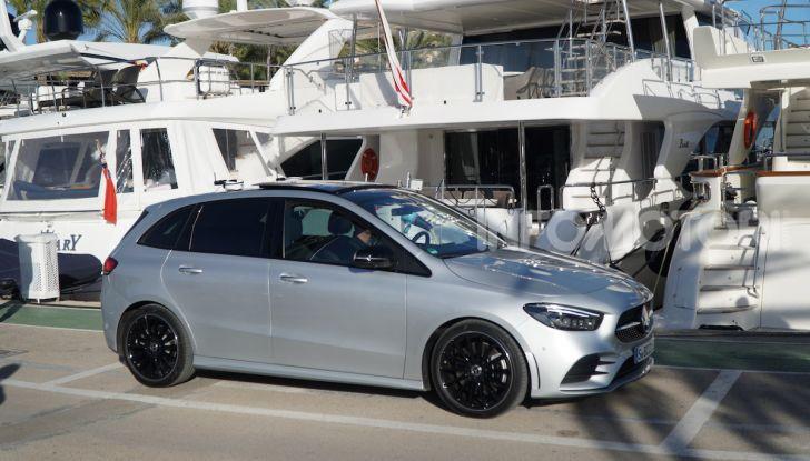 Nuova Mercedes Classe B prova su strada, allestimenti e motori - Foto 9 di 10