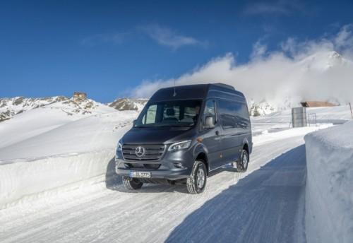 Nuovo Mercedes-Benz Sprinter 4×4: più efficienza, sicurezza e comfort - Foto 1 di 17