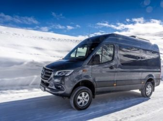 Nuovo Mercedes-Benz Sprinter 4x4: più efficienza, sicurezza e comfort