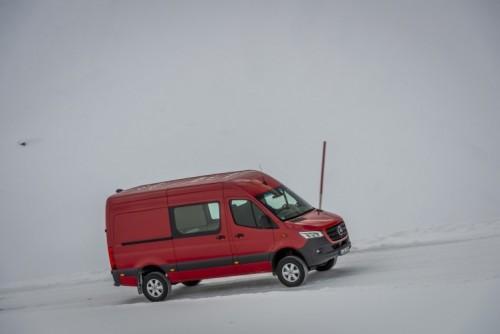 Nuovo Mercedes-Benz Sprinter 4×4: più efficienza, sicurezza e comfort - Foto 6 di 17
