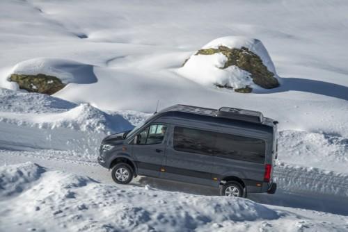 Nuovo Mercedes-Benz Sprinter 4×4: più efficienza, sicurezza e comfort - Foto 7 di 17