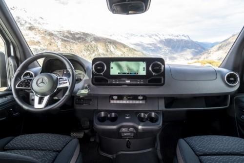 Nuovo Mercedes-Benz Sprinter 4×4: più efficienza, sicurezza e comfort - Foto 11 di 17