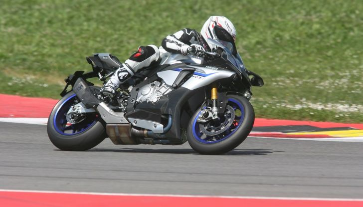 A Misano con Yamaha Supersport Pro Tour 2016: Adrenalina a mille! - Foto 2 di 60