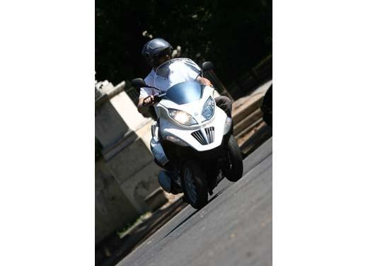 Piaggio MP3 ibrido – Test Ride - Foto 1 di 3
