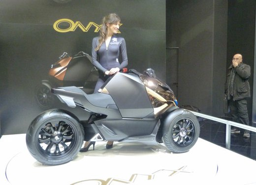 Peugeot supertrike Onyx Concept Scooter - Foto 4 di 21