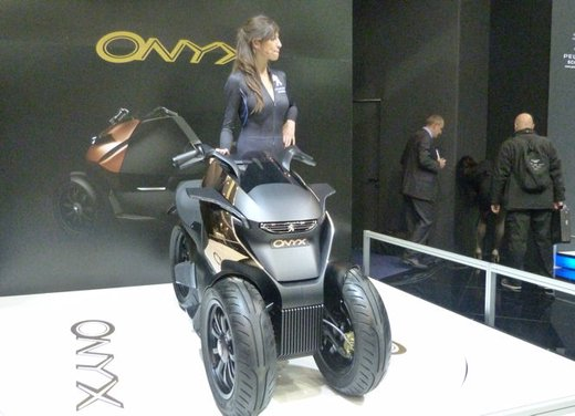 Peugeot supertrike Onyx Concept Scooter - Foto 5 di 21