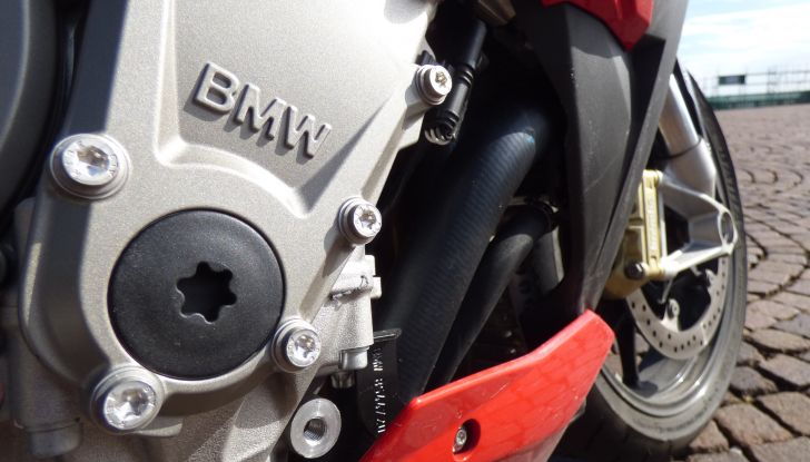 BMW S 1000 R, prova su strada:  Red Naked Redemption! - Foto 22 di 36