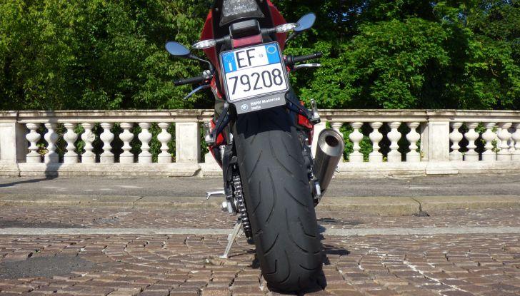 BMW S 1000 R, prova su strada:  Red Naked Redemption! - Foto 34 di 36