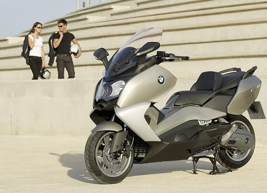 BMW C 650 GT video ufficiale del maxi scooter turistico BMW - Foto 48 di 76