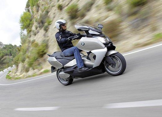 BMW C 650 GT video ufficiale del maxi scooter turistico BMW - Foto 38 di 76