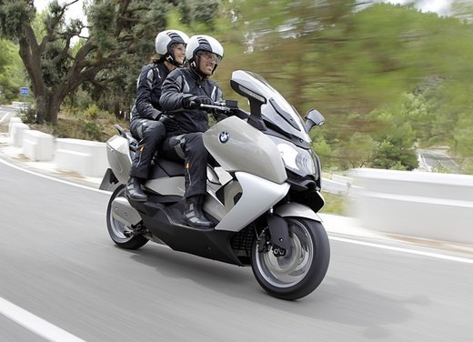 BMW C 650 GT video ufficiale del maxi scooter turistico BMW - Foto 45 di 76