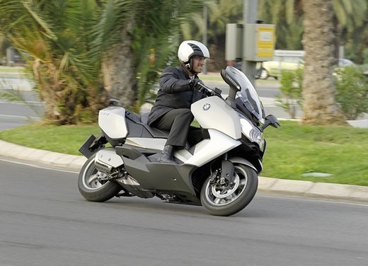 BMW C 650 GT video ufficiale del maxi scooter turistico BMW - Foto 52 di 76