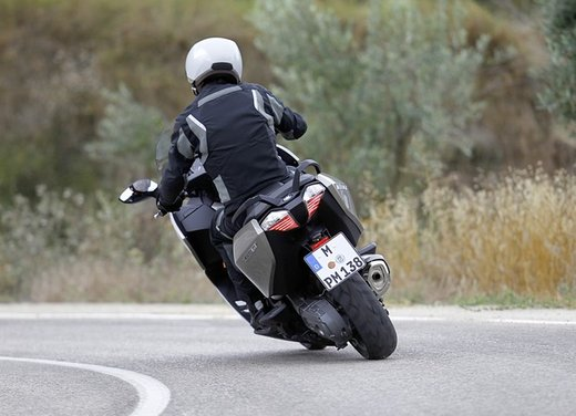 BMW C 650 GT video ufficiale del maxi scooter turistico BMW - Foto 42 di 76