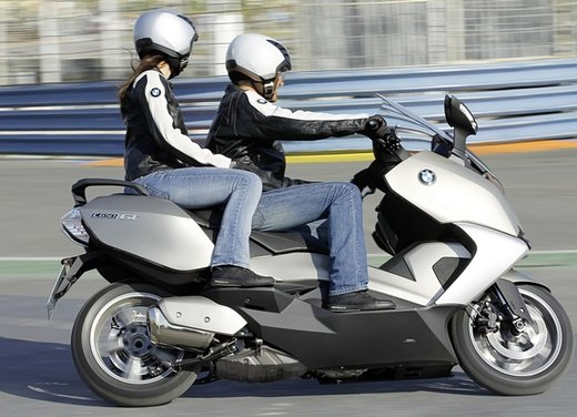BMW C 650 GT video ufficiale del maxi scooter turistico BMW - Foto 61 di 76