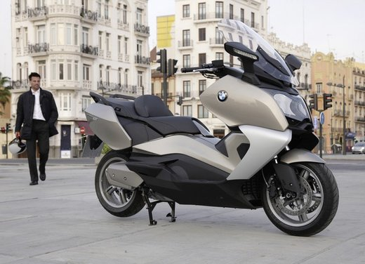 BMW C 650 GT video ufficiale del maxi scooter turistico BMW - Foto 54 di 76