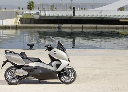 BMW C 650 GT video ufficiale del maxi scooter turistico BMW - Foto 58 di 76