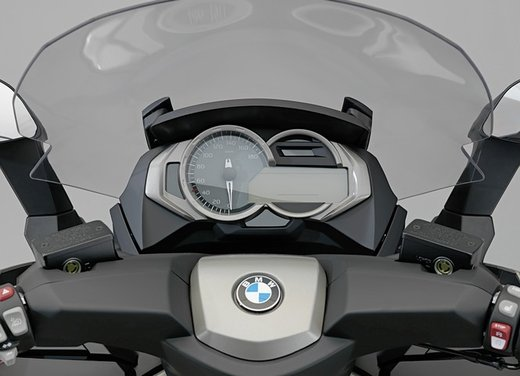 BMW C 650 GT video ufficiale del maxi scooter turistico BMW - Foto 35 di 76