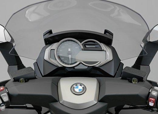 BMW C 650 GT video ufficiale del maxi scooter turistico BMW - Foto 35 di 76