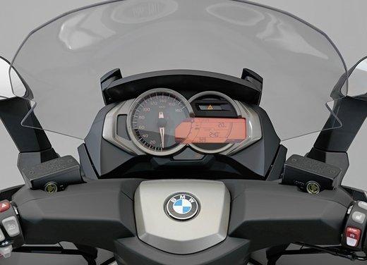 BMW C 650 GT video ufficiale del maxi scooter turistico BMW - Foto 36 di 76