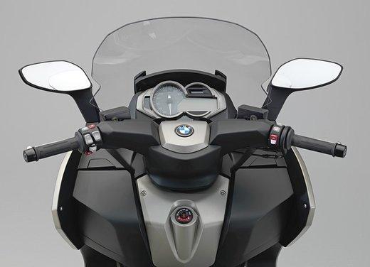 BMW C 650 GT video ufficiale del maxi scooter turistico BMW - Foto 34 di 76