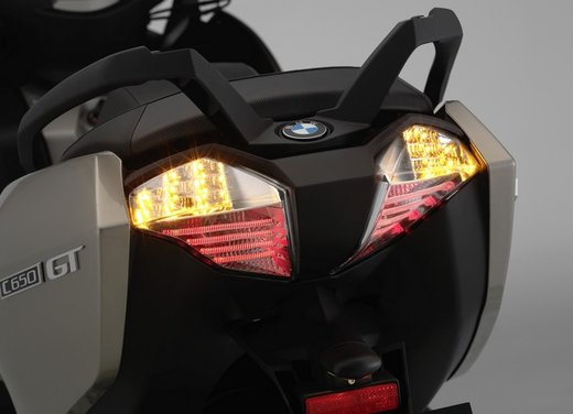BMW C 650 GT video ufficiale del maxi scooter turistico BMW - Foto 27 di 76