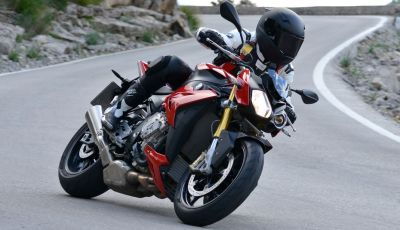 BMW S 1000 R, prova su strada:  Red Naked Redemption!